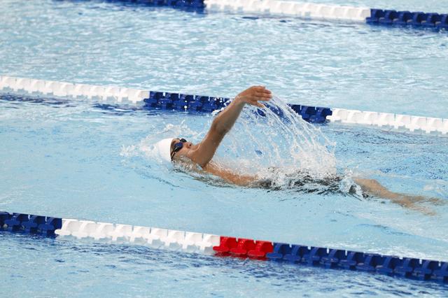 背泳ぎベーシック 背泳ぎベーシック:スイミングに関するプールプログラム紹介|東急スポーツオアシス