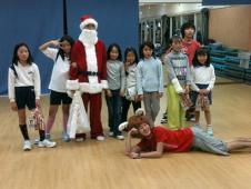 クリスマスDEダンス開催