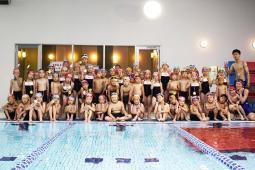水中運動会を行いました