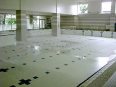 プールの大掃除!
